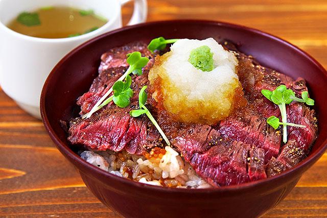 アミーゴ_ステーキ丼2.jpg