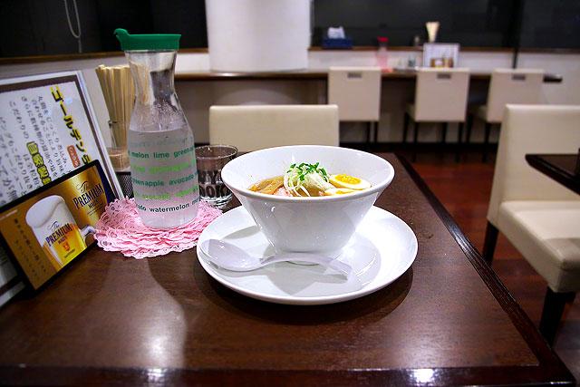 ゴールデン-丼ぶり2.jpg