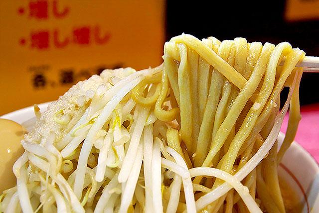 ダントツラーメン-麺2.jpg