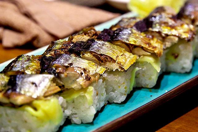 フーンニャット-サンマ押し寿司2.jpg