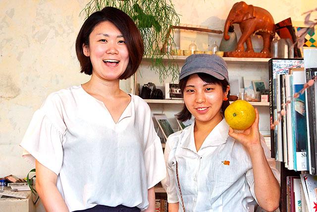 ブックマルテ-店主とみかんちゃん2.jpg