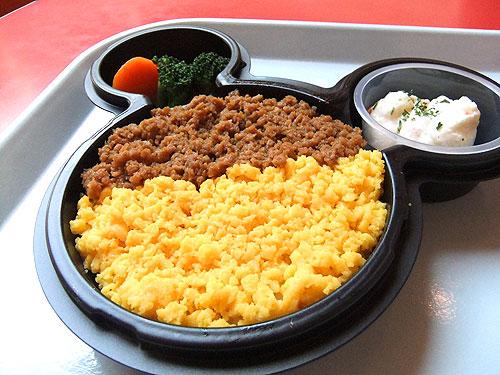 プラザ・レストラン-鶏そぼろプレート.jpg