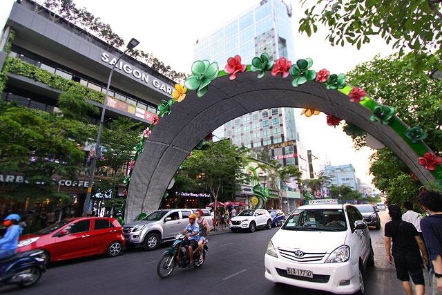 ベトナム-昼の街05-2.jpg