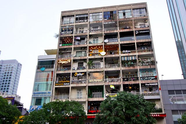 ベトナム-昼の街06-2.jpg