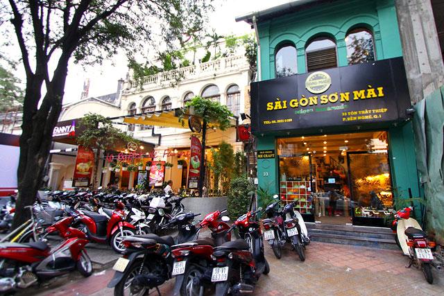 ベトナム-昼の街07-2.jpg