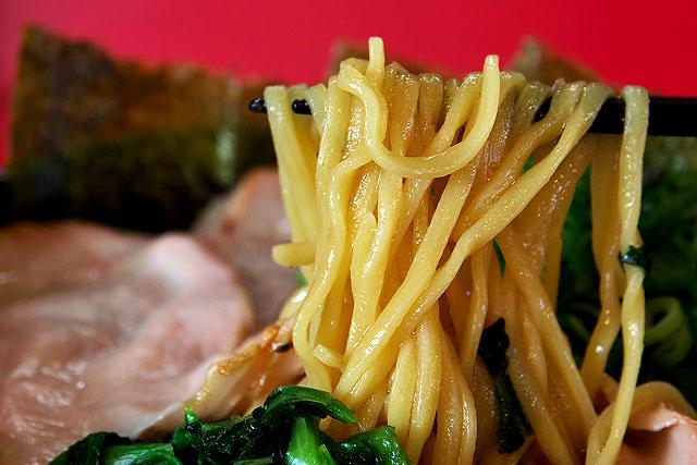 横浜家系-麺2.jpg