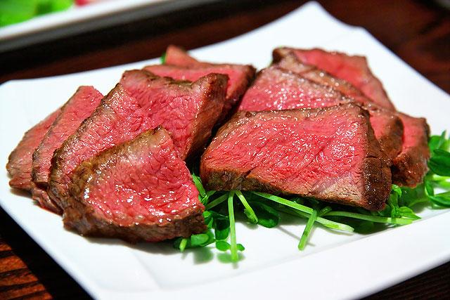 肉山-シンシン2.jpg