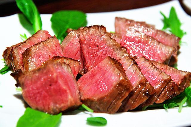 肉山-トモサンカク2.jpg
