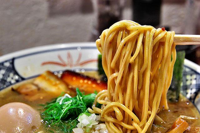 麺屋庄の-味玉らーめん麺2.jpg