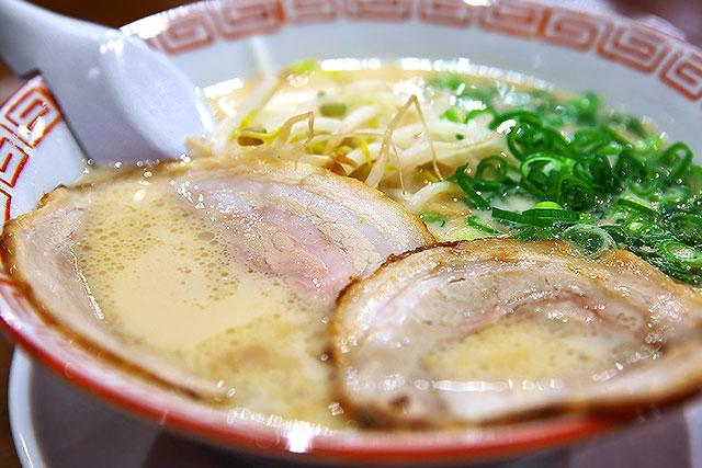 あられ-豚骨ラーメン2.jpg
