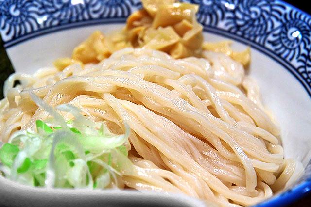かみ本-超濃厚鰹鶏つけめん麺2.jpg