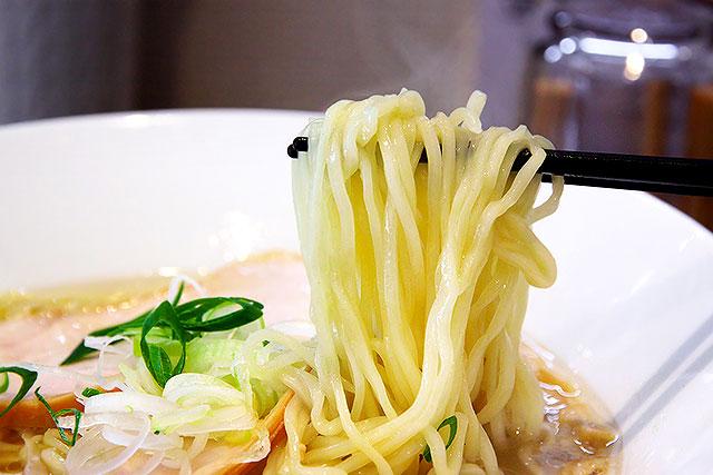 すずむし-麺2.jpg