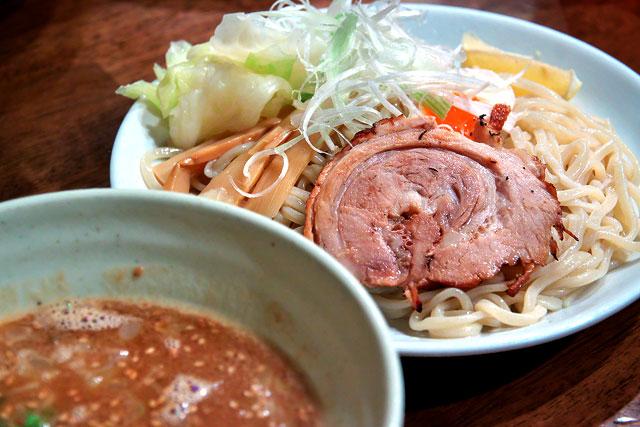 たぁすけ-豚骨つけ麺2.jpg