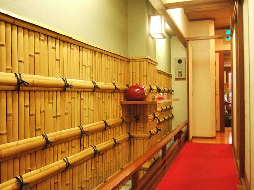 べべんこ-廊下.jpg