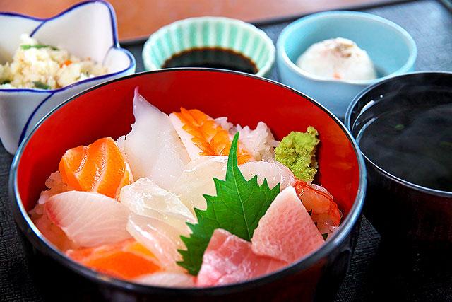 ゆば膳-海鮮丼2.jpg