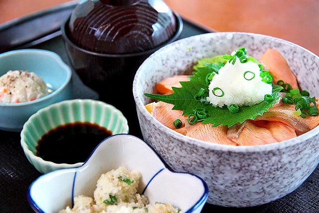 ゆば膳-鮭あぶり丼2.jpg