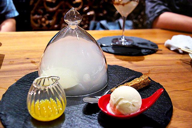 クルーズカフェ-珈琲豆で燻したパンナコッタ2.jpg